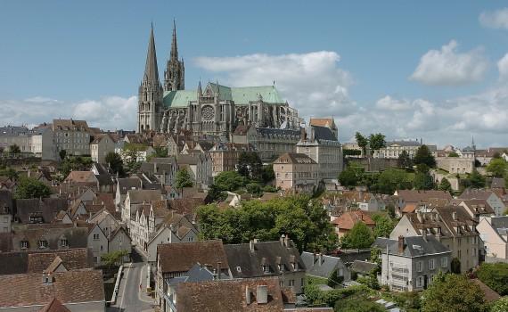 Cathédrale et ville  © Office de Tourisme de Chartres - Ville de Chartres - G. Osorio